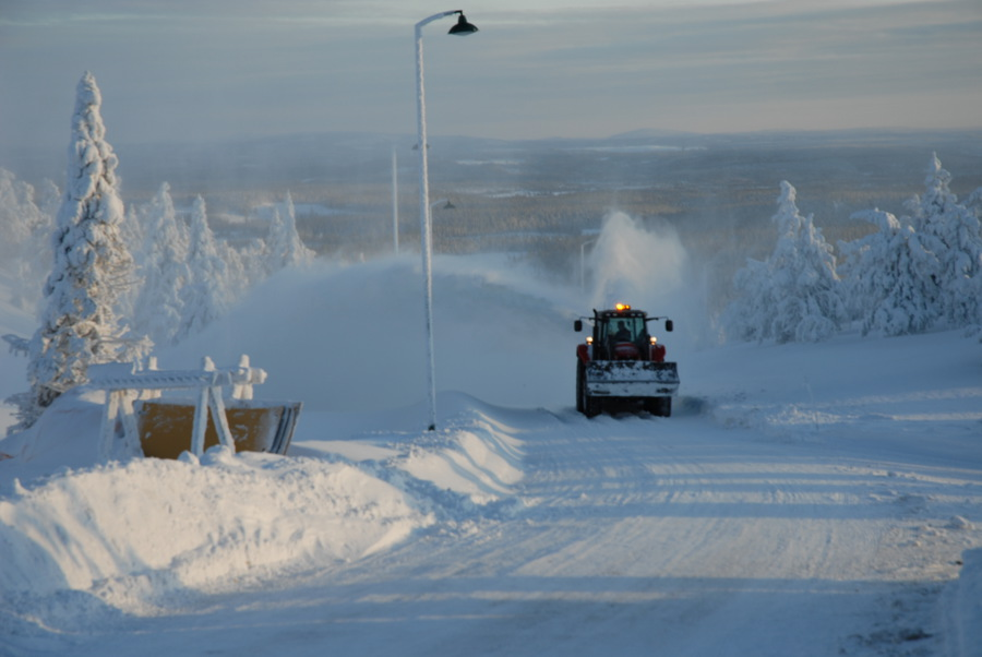 Finland in winter - Finnish snowplough (Graham Stafford)